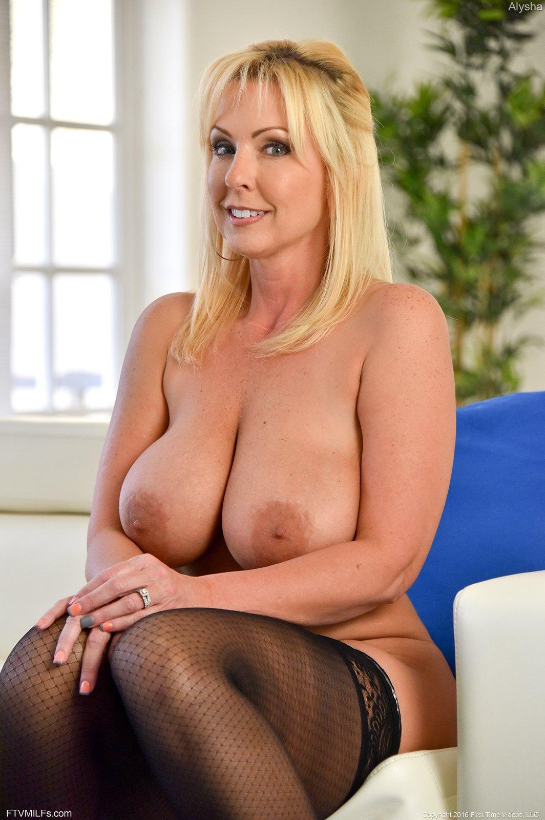 Blonde milf pornstar michelle thorne big tits
