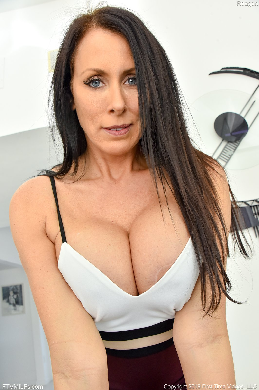 Blue Eyed Indian MILF Exposed | Sex Pictures Albums